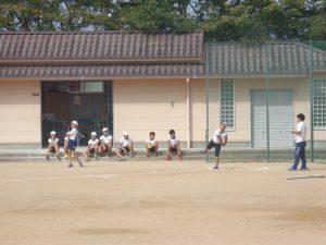 ソフトボール投げ