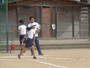 ソフトボール投げアップ