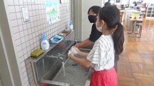 うがい手洗い低学年