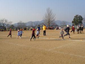 幼稚園のマラソンスタート